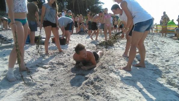 Po piachu, ale z uśmiechem