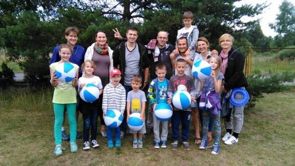 Grupa A Rodziców z najmłodszzymi dziećmi Turnu Edukacyjno-Rehabilitacyjny w Dźwirzynie