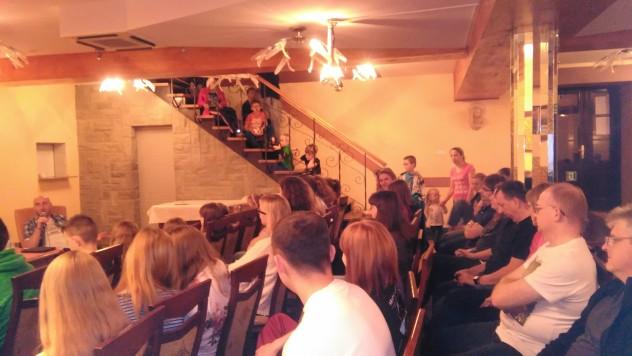 Miejsca zajęte nawet na schodach