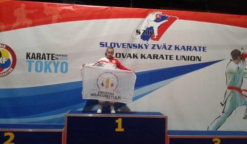 Julia Hac z flagą Drużyny MOJACUKRZYCA.PL!